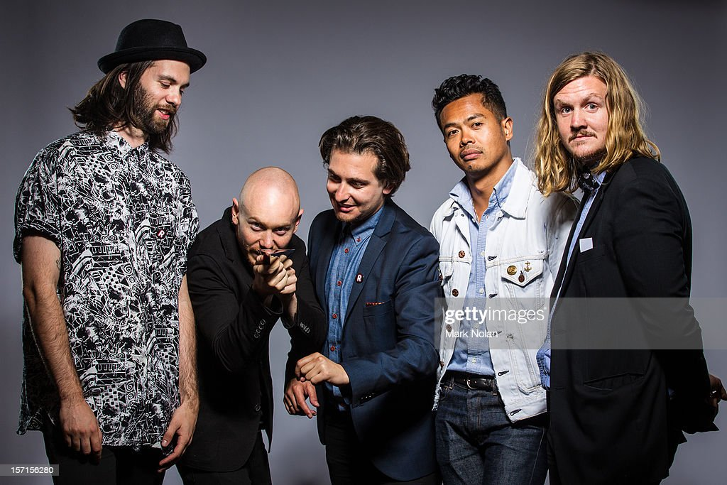 Dougy Mandagi Jonathon Aherne Lorenzo Sillitto Toby Dundas and Joseph Greer of The Temper Trap pose after winning the ARIA for best group and best...