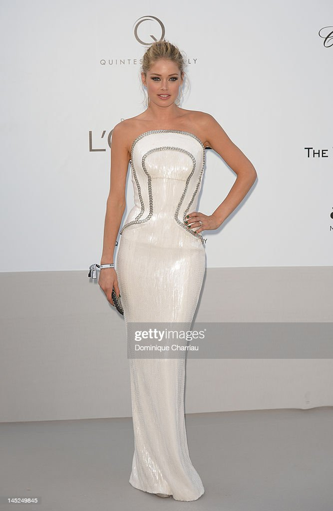 Doutzen Kroes arrives at the 2012 amfAR's Cinema Against AIDS during the 65th Annual Cannes Film Festival at Hotel Du Cap on May 24, 2012 in Cap D'Antibes, France.