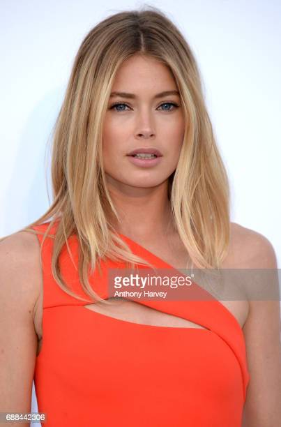 Doutzen Kroes arrives at the amfAR Gala Cannes 2017 at Hotel du CapEdenRoc on May 25 2017 in Cap d'Antibes France