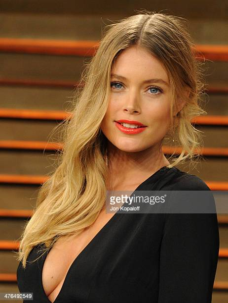 Doutzen Kroes attends the 2014 Vanity Fair Oscar Party hosted by Graydon Carter on March 2 2014 in West Hollywood California
