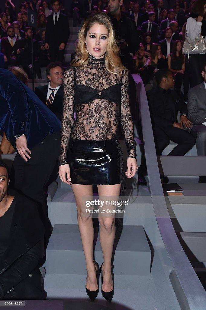 doutzen-kroes-attends-the-victorias-secret-fashion-show-on-november-picture-id626848572