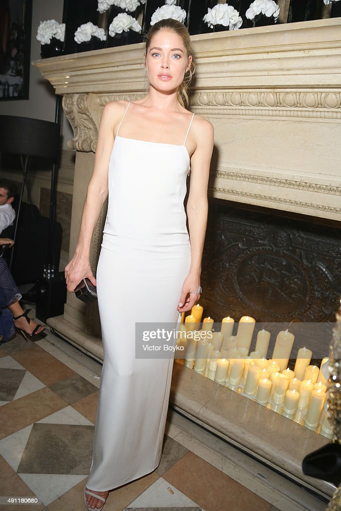Doutzen Kroes attends Vogue 95th Anniversary Party on October 3, 2015 in Paris, France.