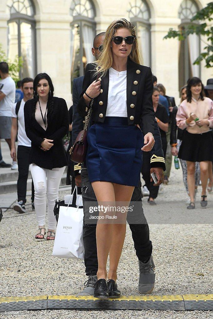 Doutzen Kroes is seen leaving the Balmain Show duirng Paris Fashion Week - Menswear Spring/Summer 2017 on June 25, 2016 in Paris, France.