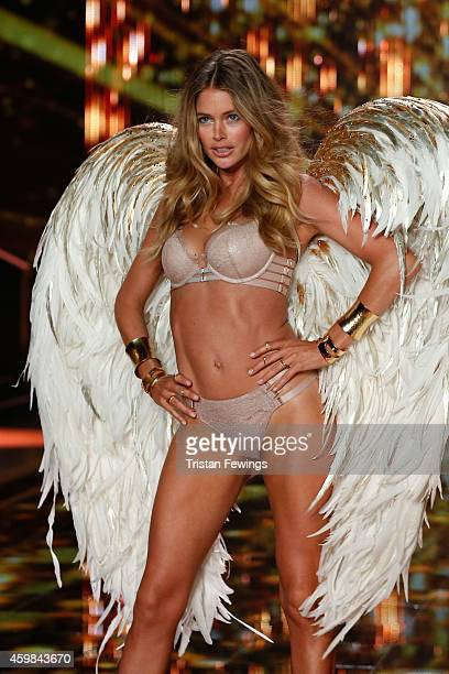 Doutzen Kroes on the runway at the 2014 Victoria's Secret Runway Show Swarovski Crystal Looks at Earl's Court Exhibition Centre on December 2 2014 in...