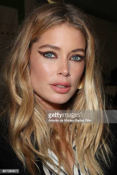 Doutzen Kroes prepares Backstage Prior the L'oreal Show as part of the Paris Fashion Week Womenswear Spring/Summer 2018 on October 1 2017 in Paris...