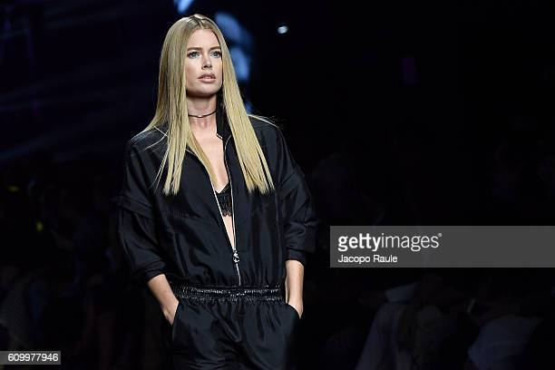 Doutzen Kroes walks the runway at the Versace show during Milan Fashion Week Spring/Summer 2017 on September 23 2016 in Milan Italy