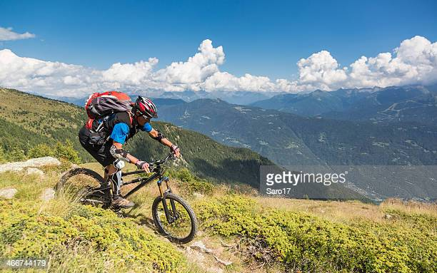 Downhill Biegen Sie in die Valtelline Valley, Italien