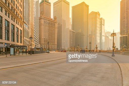 シカゴのダウンタウンの夕暮れ