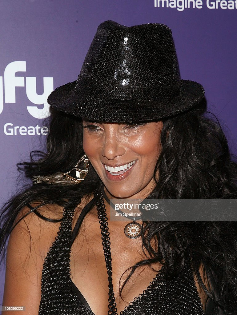 Downtown Julie Brown attends the 'Mega Python vs. Gatoroid' premiere at the Ziegfeld Theatre on January 24, 2011 in New York City.