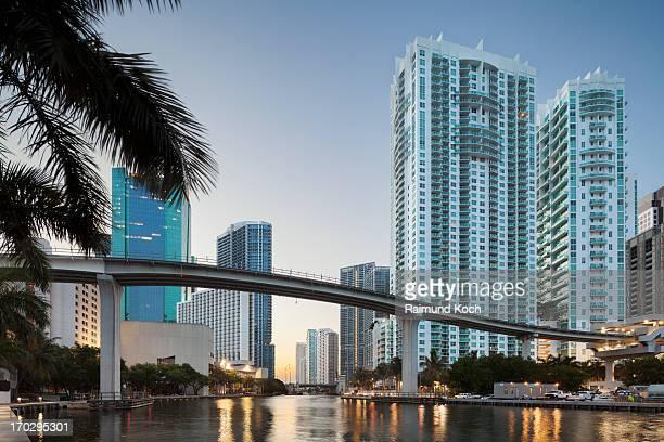 Downtown Miami, Riverwalk at dawn