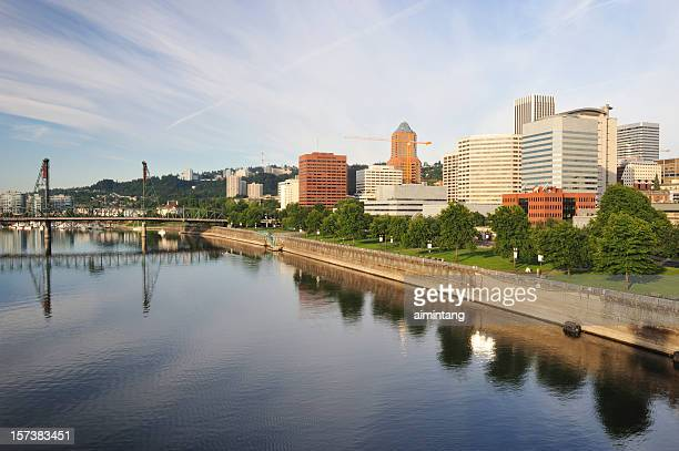 El centro de la ciudad de Portland y el río Willamette