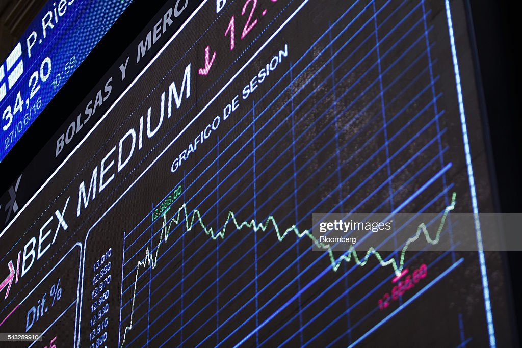 A downward stock index curve sits displayed on an electronic ticker screen at the Madrid stock exchange, also known as Bolsas y Mercados Espanoles, in Madrid, Spain, on Monday, June 27, 2016. Spanish government bonds jumped, pushing the yield down by the most in eight months, after Acting Prime Minister Mariano Rajoy defied opinion polls to consolidate his position in the country's general election after Brexit rocked the world's financial markets last week. Photographer: Angel Navarrete/Bloomberg via Getty Images