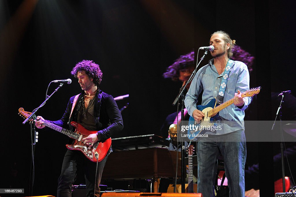 <a gi-track='captionPersonalityLinkClicked' href=/galleries/search?phrase=Doyle+Bramhall+II&family=editorial&specificpeople=3733577 ng-click='$event.stopPropagation()'>Doyle Bramhall II</a> (L) and <a gi-track='captionPersonalityLinkClicked' href=/galleries/search?phrase=Citizen+Cope&family=editorial&specificpeople=637123 ng-click='$event.stopPropagation()'>Citizen Cope</a> perform on stage during the 2013 Crossroads Guitar Festival at Madison Square Garden on April 12, 2013 in New York City.