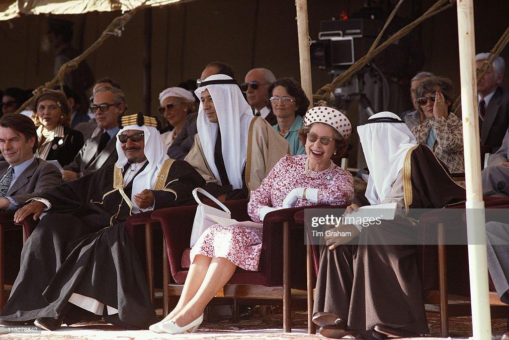 Dr David Owen Jaber III alAhmad alJaber alSabah Emir of Kuwait Queen Elizabeth II Salem Al Ali Al Sabah Kuwaiti Minister of Defence watching a...