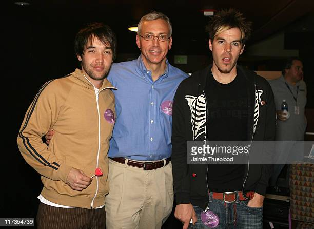 Dr Drew Pinsky with Doug Robb and Dan Estrin of Hoobastank