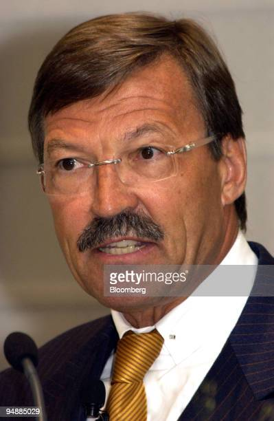 Dr HansJoachim Koerber CEO Metro AG speaks at the Business Administration Conference in Berlin Germany Monday September 27 2004