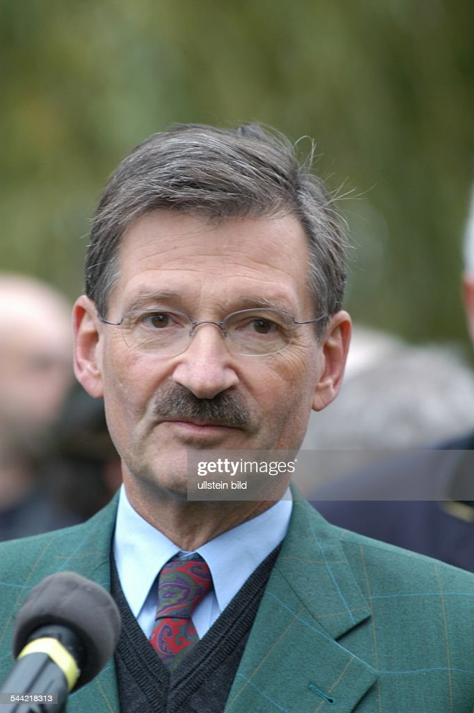 Dr. <b>Hermann Otto</b> Solms, FDP - Vizepräsident Deutscher Bundestag - dr-hermann-otto-solms-fdp-vizeprsident-deutscher-bundestag-picture-id544218313