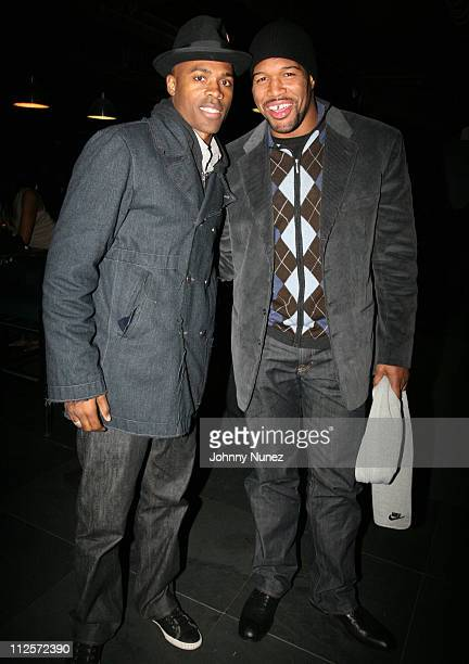 Dr Ian Smith and Michael Strahan attend Michael Strahan's Santa's BIG Helper Christmas Party at Club Slate December 17 2007 in New York City