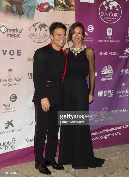 Dr Ivan Manero and Lydia Bosch pose during a photocall for the 'Apuesta Por Ellas' charity event on November 16 2017 in Sant Cugat del Valles Spain