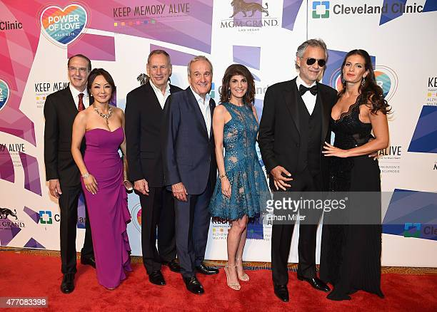 Dr Jeffrey Cummings and Dr Kate Zong from Cleveland Clinic Lou Ruvo Center for Brain Health Cleveland Clinic CEO Dr Toby Cosgrove Keep Memory Alive...