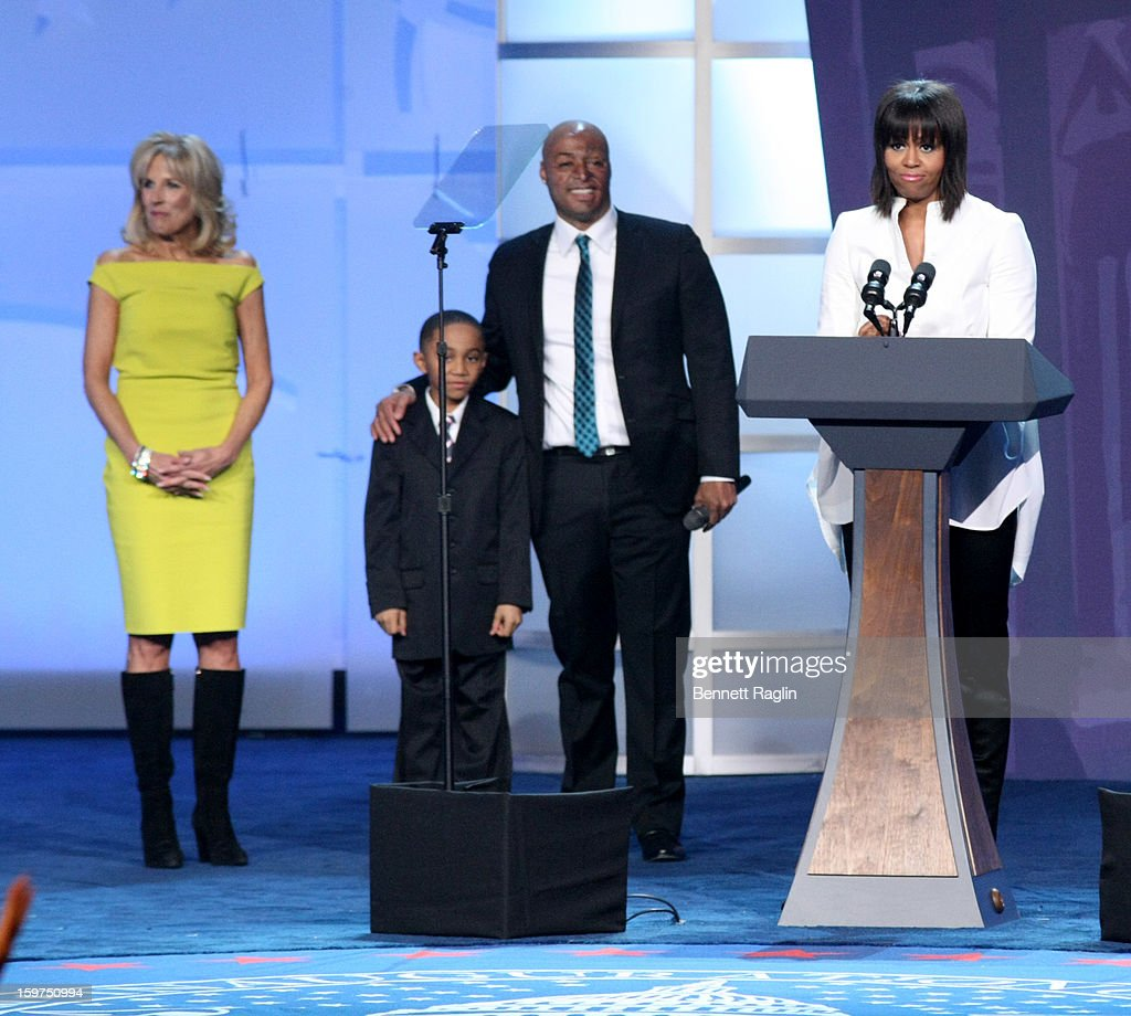 Dr. <a gi-track='captionPersonalityLinkClicked' href=/galleries/search?phrase=Jill+Biden&family=editorial&specificpeople=997040 ng-click='$event.stopPropagation()'>Jill Biden</a>, Jalen Frankel, <a gi-track='captionPersonalityLinkClicked' href=/galleries/search?phrase=J.R.+Martinez&family=editorial&specificpeople=4233581 ng-click='$event.stopPropagation()'>J.R. Martinez</a> and First Lady <a gi-track='captionPersonalityLinkClicked' href=/galleries/search?phrase=Michelle+Obama&family=editorial&specificpeople=2528864 ng-click='$event.stopPropagation()'>Michelle Obama</a> attend the 2013 Kids' Inaugural: Our Children, Our Future on January 19, 2013 in Washington, DC.