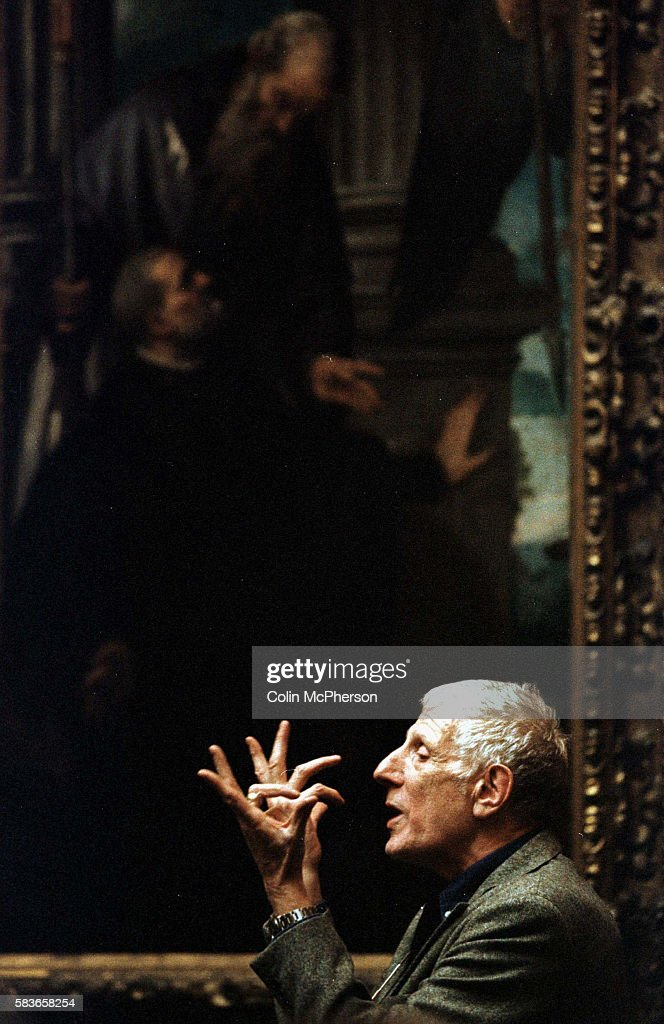Dr Jonathan Miller giving a guided lecture on paintings at the National Gallery of Scotland Edinburgh Dr Miller was a British neurologist theatre and...