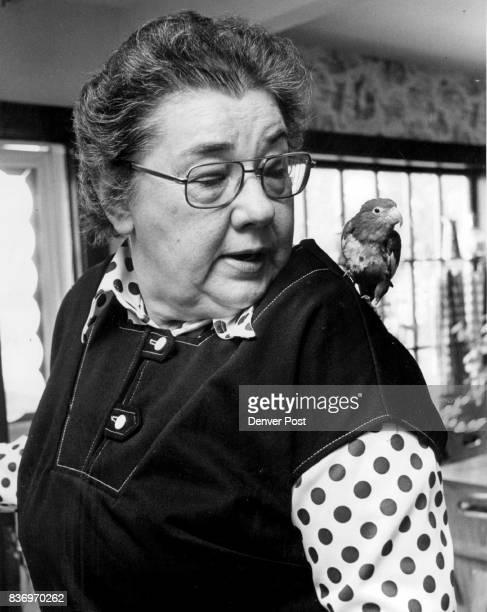 Dr Maxine Benjamin Ind BooBoo a BeBe parrot Credit Denver Post