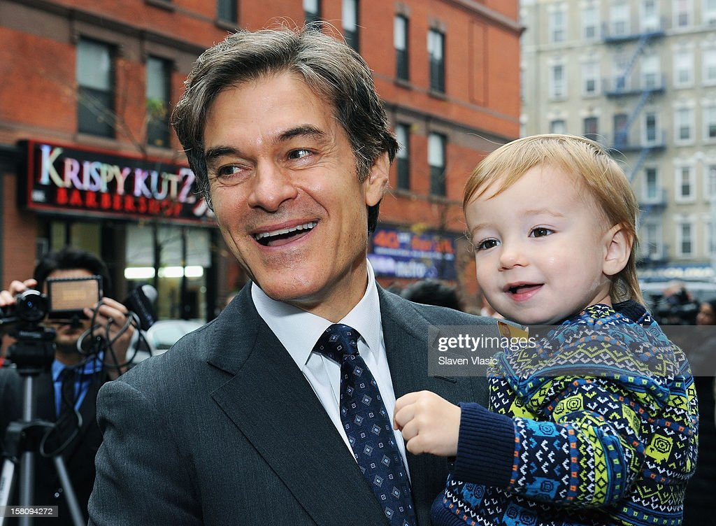 Dr. <a gi-track='captionPersonalityLinkClicked' href=/galleries/search?phrase=Mehmet+Oz&family=editorial&specificpeople=4175862 ng-click='$event.stopPropagation()'>Mehmet Oz</a> attends Green and Eco-Friendly Applebee's Ribbon Cutting Ceremony at Applebee's on December 10, 2012 in New York City.