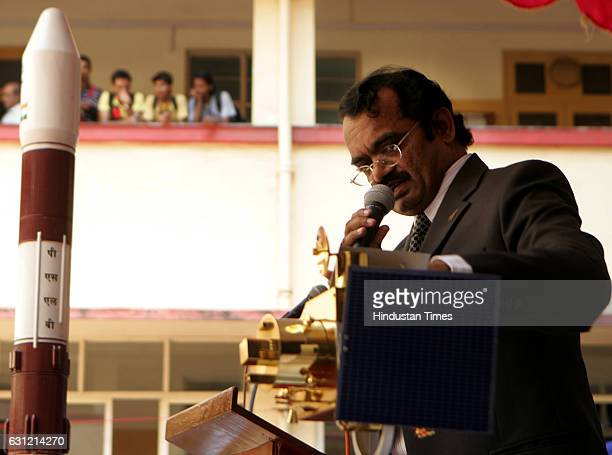 Dr Mylswamy Annadurai Project Director of Indian Space Research Organisation ISRO at SIES College of Art Sicence and Commerce at Sion