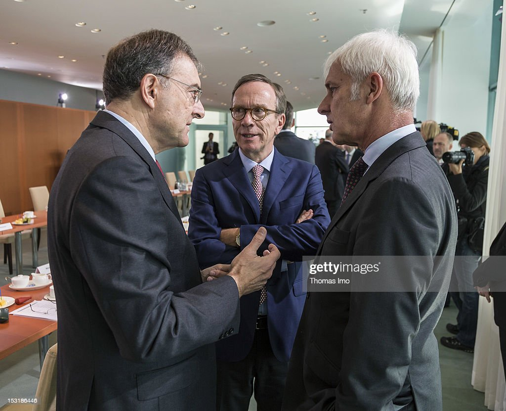 Dr Norbert Reithofer CEO BMW AG Matthias Wissmann President of the Verband der Automobilindustrie VDA and Matthias Mueller CEO Porsche AG during a...