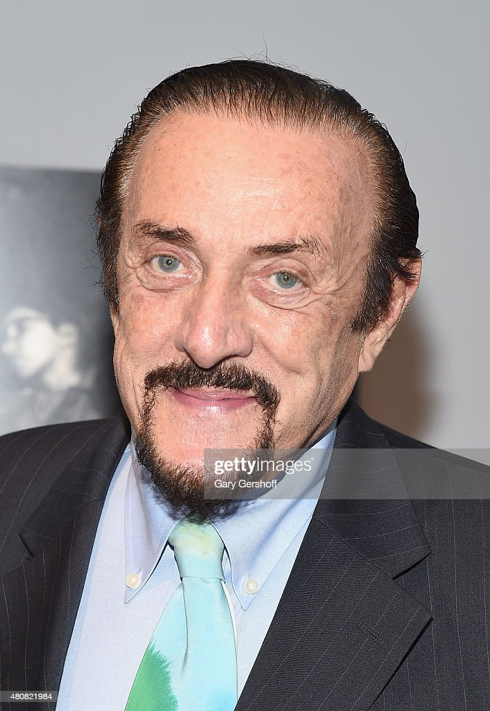 "the stanford prison experiment philip zimbardo essay In ""the stanford prison experiment,"" (cc 711) psychology professor philip zimbardo describes a mock prison system he set up using college students as both."