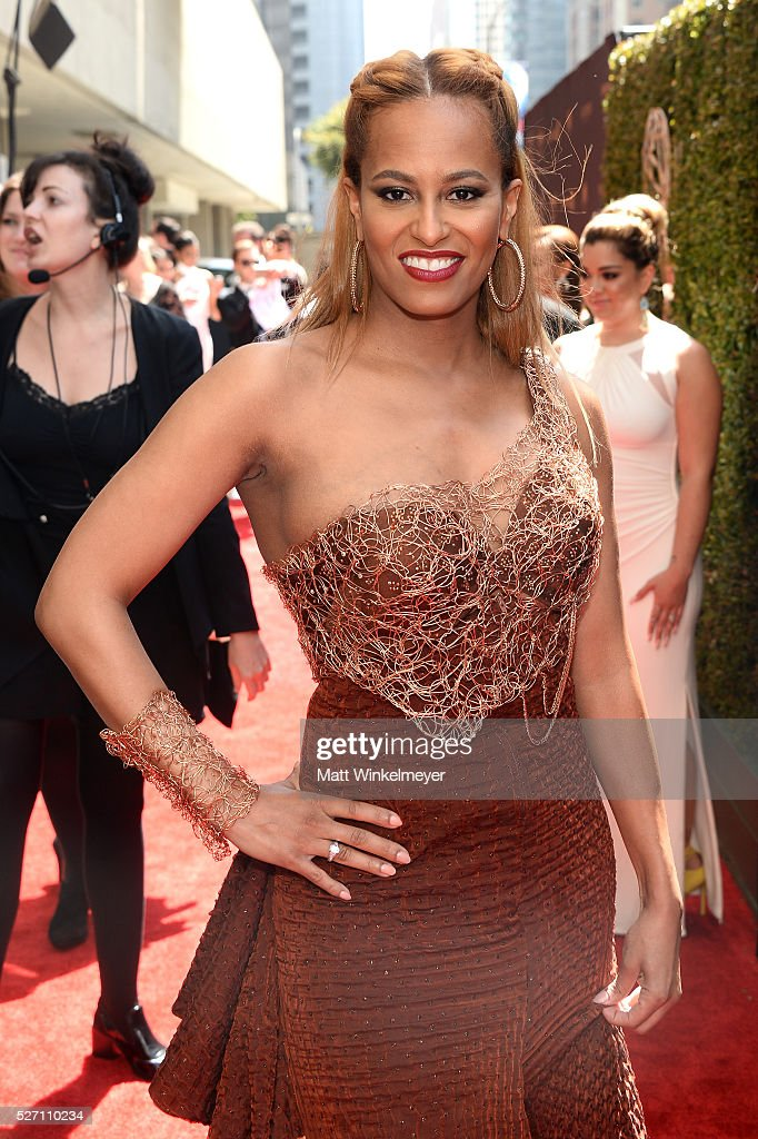 Dr. Rachael Ross walks the red carpet at the 43rd Annual Daytime Emmy Awards at the Westin Bonaventure Hotel on May 1, 2016 in Los Angeles, California.