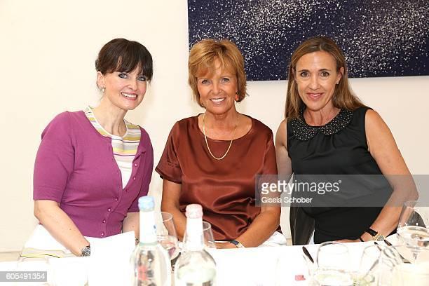 Dr Sonja Lechner Ulrike Kriener and Susanne Graefin von Moltke during the Ladies Art Lunch at Galerie Vogdt on September 13 2016 in Munich Germany