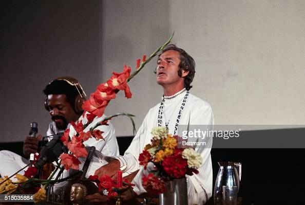 Dr Timothy Leary leading LSD proponent in this country and former Harvard University professor addresses the National Student Association conference...