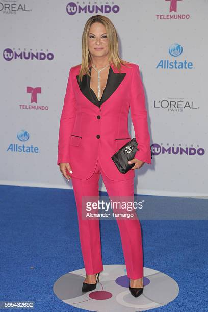 Dra Ana Maria Polo arrives at Telemundo's Premios Tu Mundo 'Your World' Awards at American Airlines Arena on August 25 2016 in Miami Florida