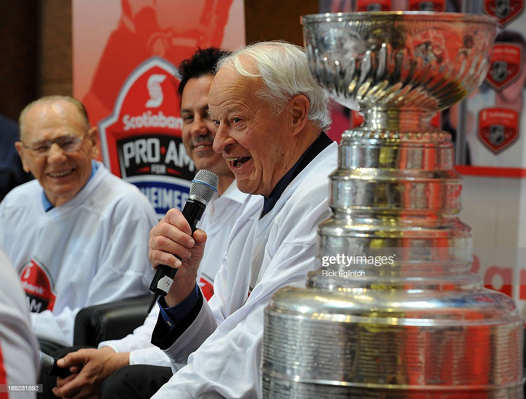 Draft Night.Kick off for this weekends Pro-Am for Alzheimer's (Fundraiser) Hockey greats get together to tell stories before a Thursday noon hour crowd at the Scotia Plaza.Former NHL great Gordie Howe (R) steals the show with his story telling as he sits beside the Stanley cup with Johnny Bower and Doug Gilmore looking on.(May 6 2010 )Rick Eglinton/Toronto Star.