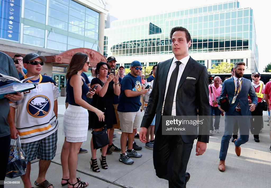 NHL draft prospect <a gi-track='captionPersonalityLinkClicked' href=/galleries/search?phrase=Auston+Matthews&family=editorial&specificpeople=13452736 ng-click='$event.stopPropagation()'>Auston Matthews</a> arrives at First Niagara Center prior to round one of the 2016 NHL Draft on June 24, 2016 in Buffalo, New York.