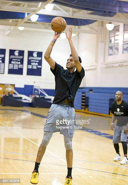 Draft Prospect Dejounte Murray shoots during a workout at the Veale Center at Case Western Reserve University on May 19 2016 in Cleveland Ohio NOTE...