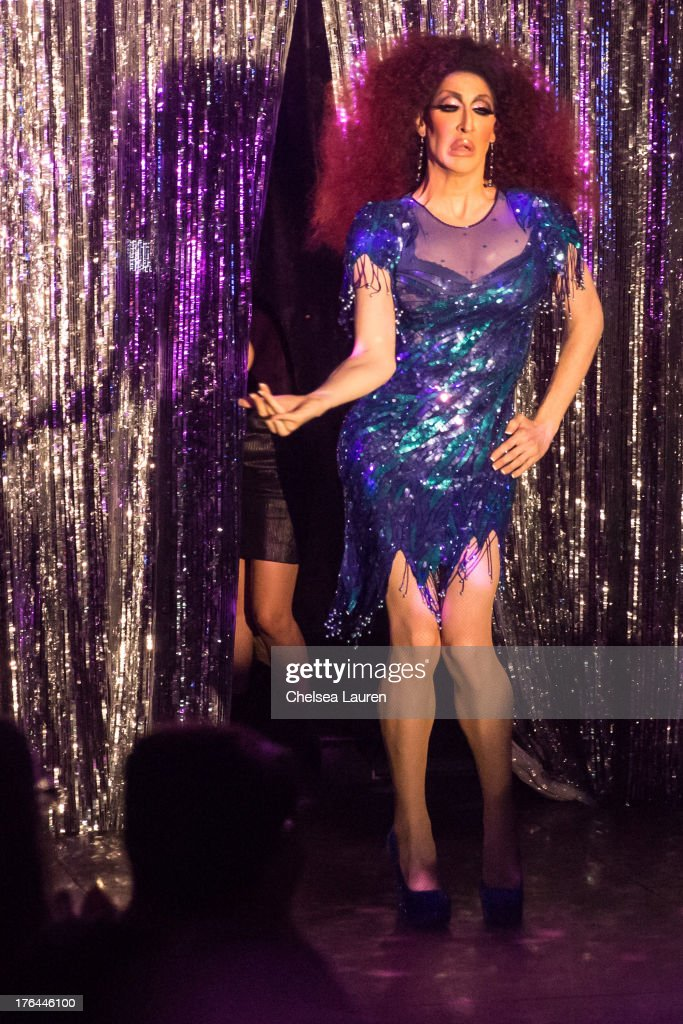 Drag queen Detox Icunt performs at a drag show with the cast of 'RuPaul's Drag Race' at Micky's on August 12, 2013 in Los Angeles, California.