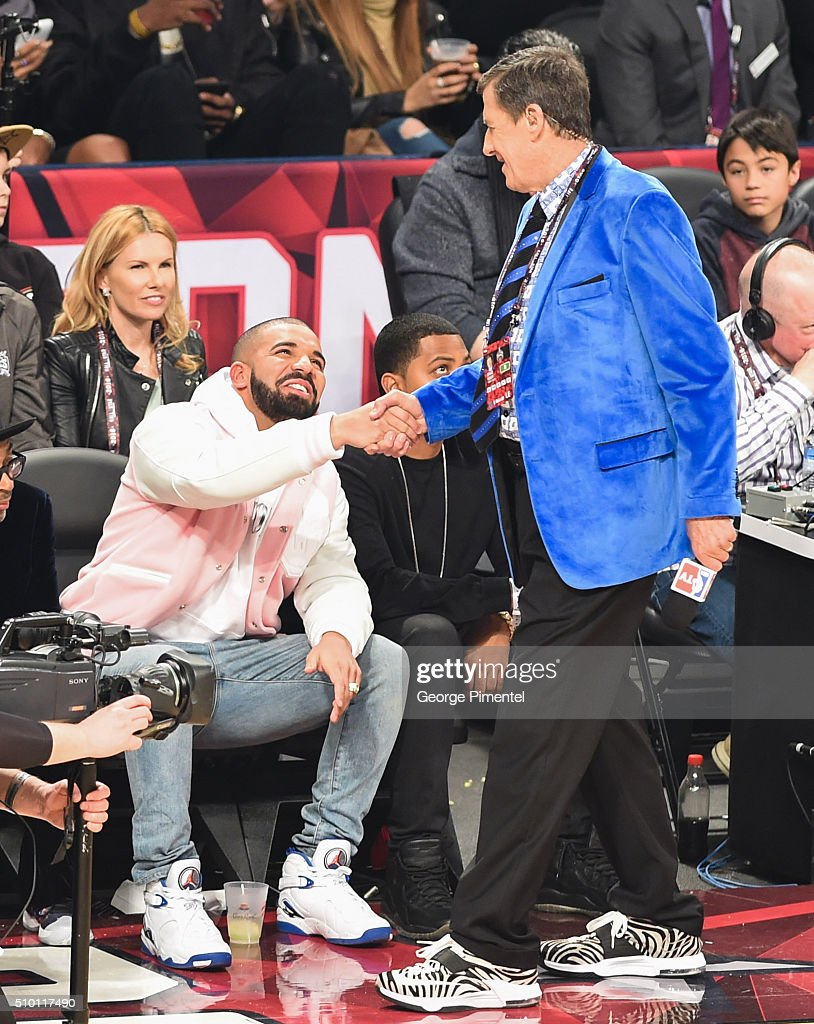Drake and <a gi-track='captionPersonalityLinkClicked' href=/galleries/search?phrase=Craig+Sager&family=editorial&specificpeople=617407 ng-click='$event.stopPropagation()'>Craig Sager</a> attend the 2016 NBA All-Star Saturday Night at Air Canada Centre on February 13, 2016 in Toronto, Canada.
