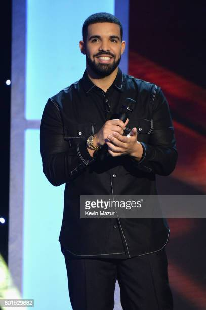 Drake hosts the 2017 NBA Awards Live on TNT on June 26 2017 in New York New York 27111_002