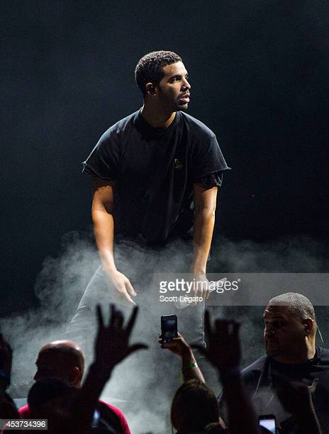Drake performs at DTE Energy Music Theater on August 16 2014 in Clarkston Michigan