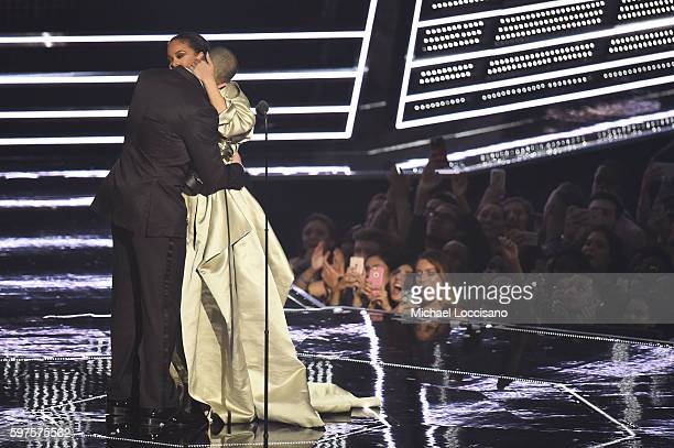 Drake presents Rihanna with the The Video Vanguard Award during the 2016 MTV Video Music Awards at Madison Square Garden on August 28 2016 in New...