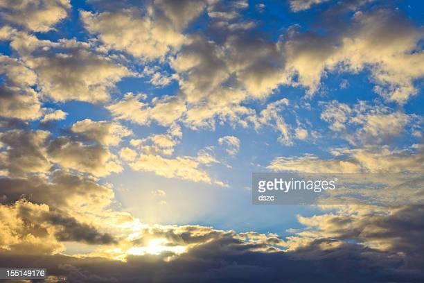 Drammatico cielo nuvoloso