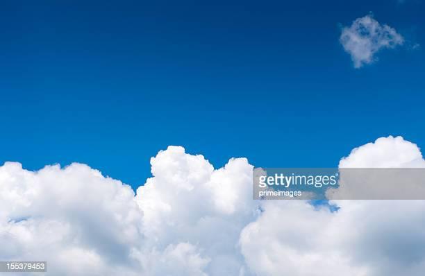 Dramatique ciel nuageux.