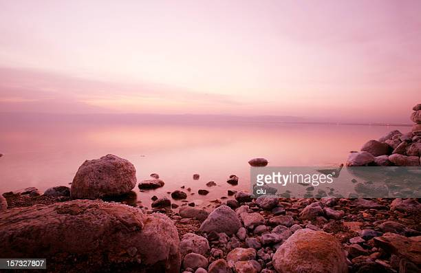 ドラマティックな印象の死海の夕日