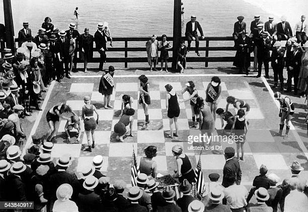 USA Draughts played by real dames on the beach promenade of a coastal resort Photographer Sennecke undatedVintage property of ullstein bild