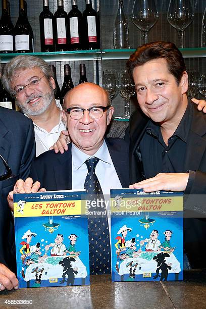 Drawer Achde Cowriter Jacques Pessis and cowriter Laurent Gerra attend Impersonator Laurent Gerra presents the new comics album of Lucky Luke 'Les...