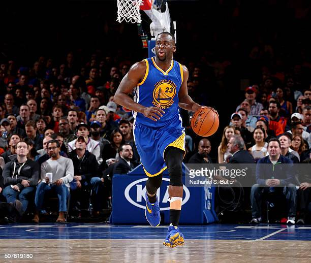 Draymond Green of the Golden State Warriors brings the ball up court against the New York Knicks on January 31 2016 at Madison Square Garden in New...
