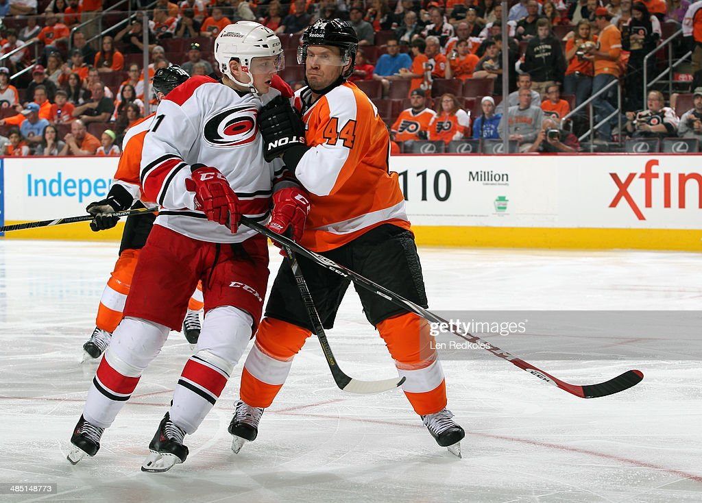 <a gi-track='captionPersonalityLinkClicked' href=/galleries/search?phrase=Drayson+Bowman&family=editorial&specificpeople=4111563 ng-click='$event.stopPropagation()'>Drayson Bowman</a> #21 of the Carolina Hurricanes battles against <a gi-track='captionPersonalityLinkClicked' href=/galleries/search?phrase=Kimmo+Timonen&family=editorial&specificpeople=201521 ng-click='$event.stopPropagation()'>Kimmo Timonen</a> #44 of the Philadelphia Flyers on April 13, 2014 at the Wells Fargo Center in Philadelphia, Pennsylvania.